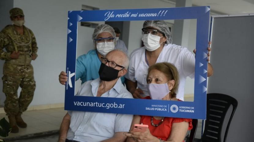 Vacunación en marcha: «esperamos un año este milagro»