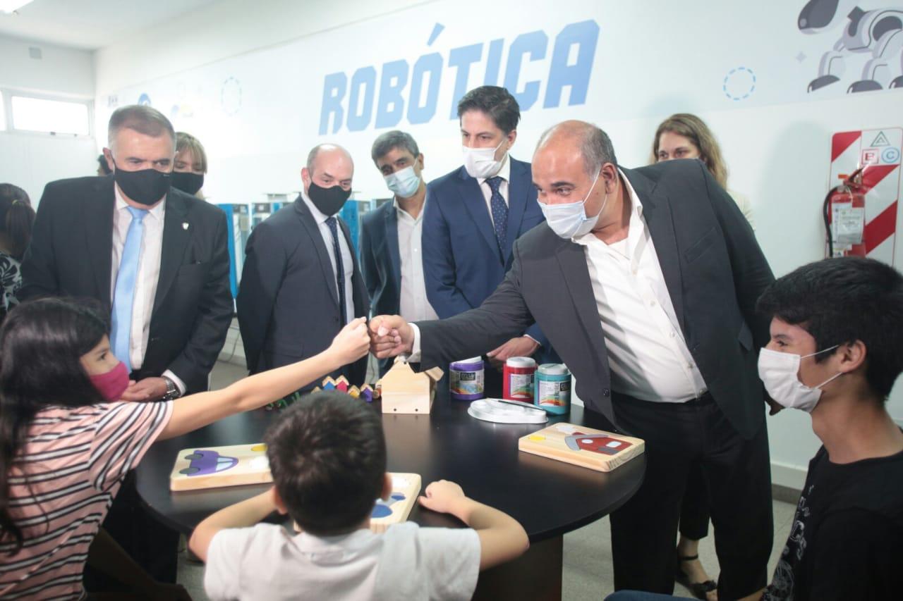 Nacion anunció una inversión de más de $2600 millones en obras para las escuelas  tucumanas - Noticias del Interior - Carlos Rosznercki